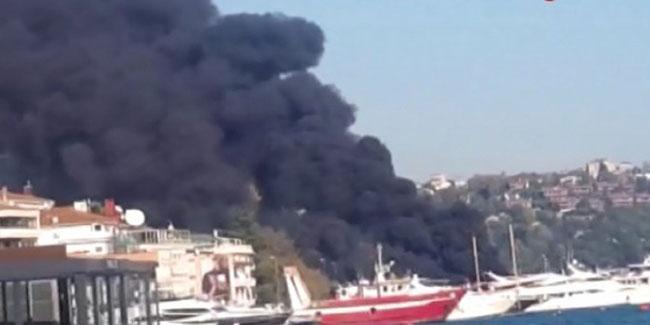 https://anarchistsworldwide.noblogs.org/files/2019/11/yacht_arson.jpg